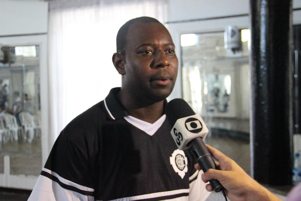 Volante Ives, Ex-Vasco e Flamengo, defenderá o Rio Negro em 2018 (Foto: Marcos Dantas)