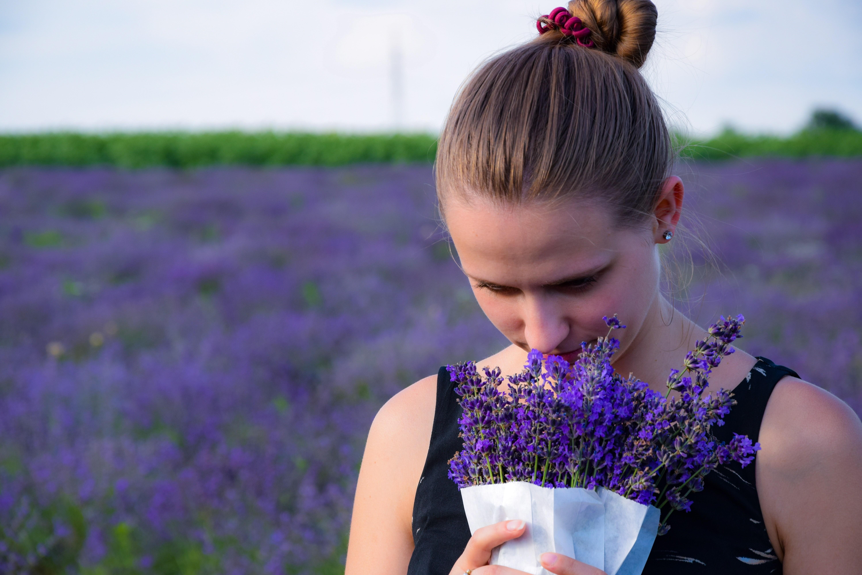 A perda de olfato é um dos principais sintomas de Covid-19 (Foto: Richárd Ecsedi / Unplash)