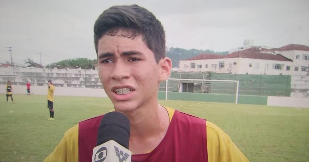 20f9a894a2 ... Rykelmo defendeu a Portuguesa Santista antes de ir para o Flamengo —  Foto  Reprodução