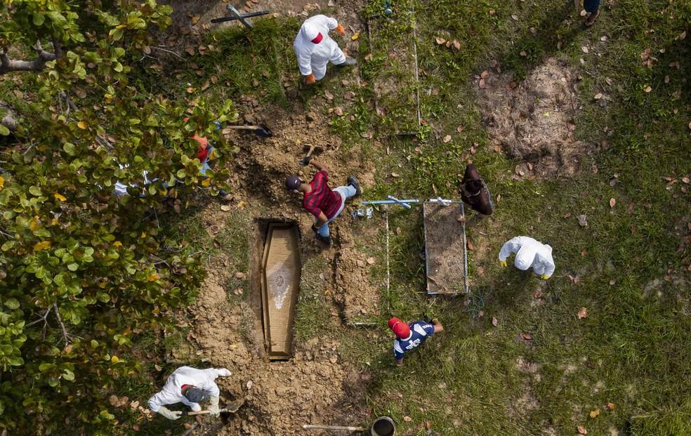 Cemitério em Breves, no Marajó. — Foto: Tarso Sarraf
