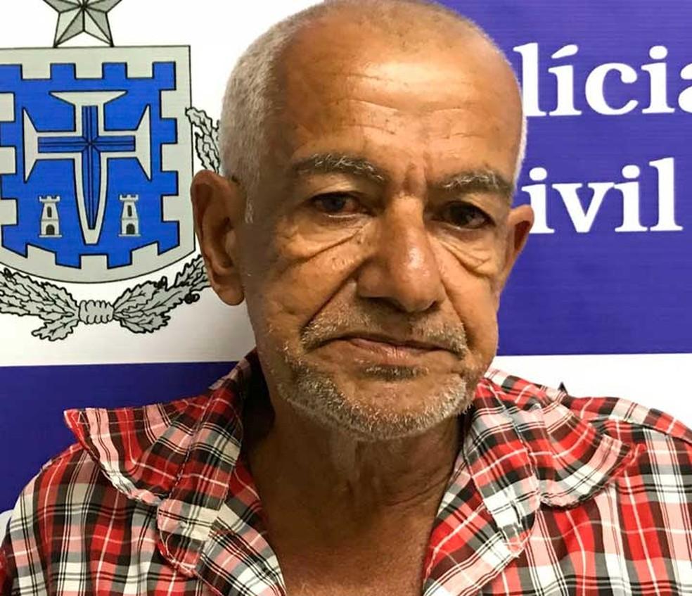 Homem que fugia da polícia há 13 anos por ser suspeito de matar esposa na frente dos filhos é preso na Bahia (Foto: Divulgação/Polícia Civil)