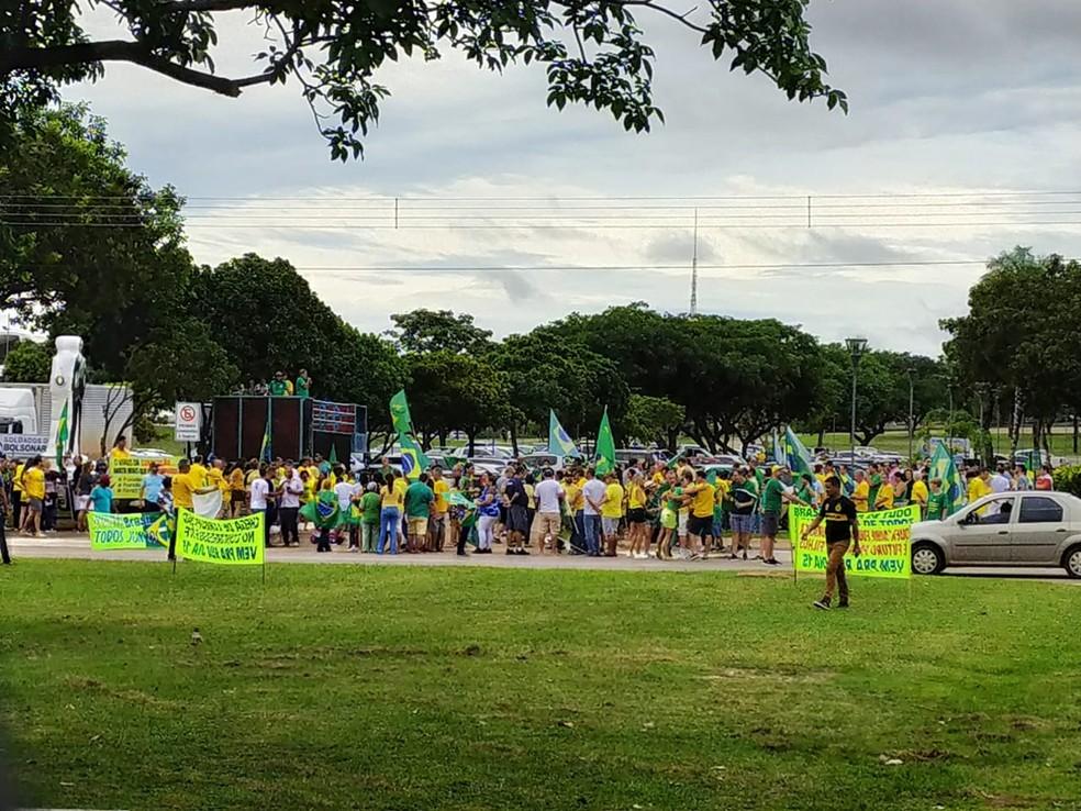 Manifestantes se reuniram na Praça dos Girassóis em Palmas (TO) — Foto: Marco Antônio/TV Anhanguera