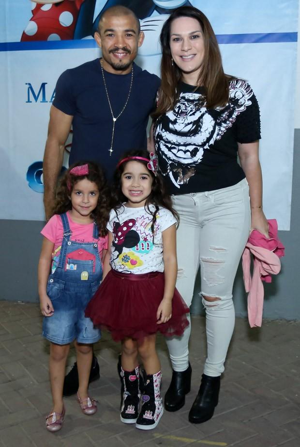 José Aldo, Vivianne Aldo, Joana e Bruna (Foto: Roberto Filho/Brazil News)