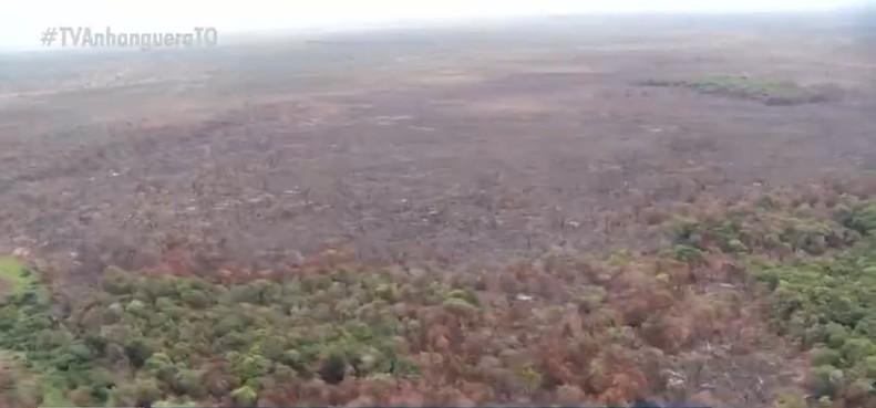 Chamas consomem um terço de floresta nativa onde vivem indígenas isolados na Ilha do Bananal