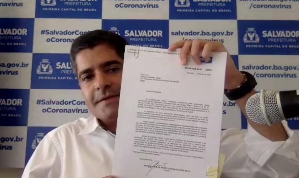 Prefeito ACM Neto assinou projetos de lei durante coletiva virtual nesta segunda-feira (27). — Foto: Reprodução