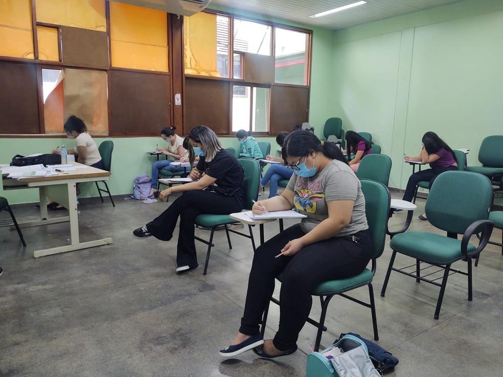 Estudantes tiveram que cumprir medidas de proteção contra Covid. — Foto: Eliana Nascimento/G1 AM