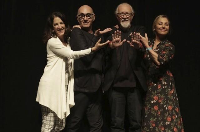 Aniela Jordam, José Possi Neto e Heloisa Périssé com Ney Latorraca (Foto: Gustavo Andrade)