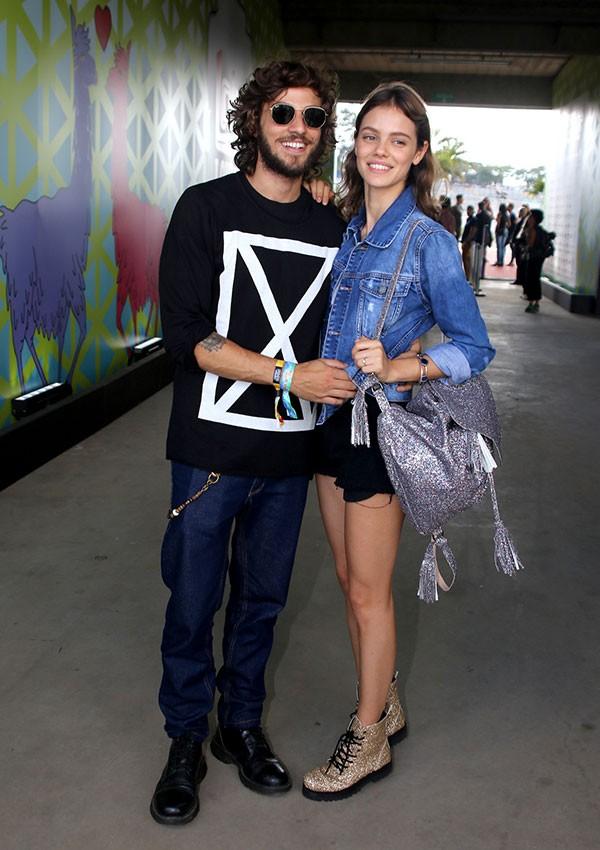 Chay Suede e Laura Neiva (Foto: AgNews)