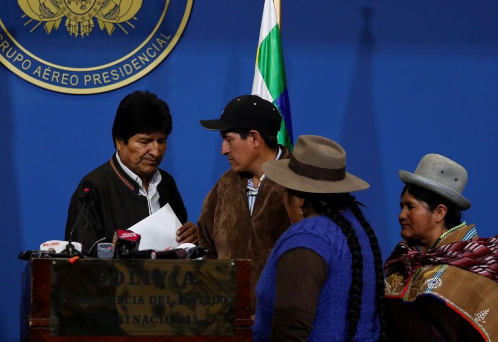 Evo Morales, pouco antes de anunciar as novas eleições, na manhã de  10 de novembro de 2019 — Foto: Carlos Garcia Rawlins/Reuters