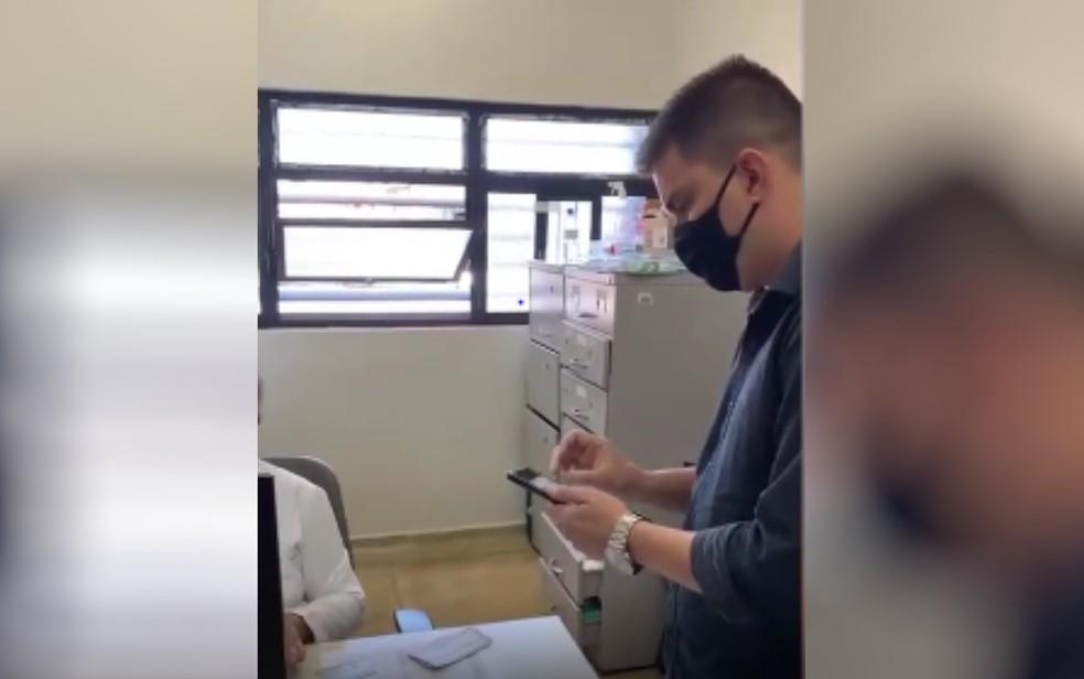 Deputado se recusa a tomar vacina contra Covid-19 disponível em posto de Goiânia  — Foto: Reprodução/Instagram