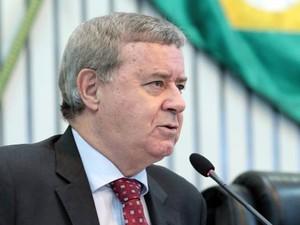 Secretário Delci Teixeira visitou Assembleia do Ceará (Foto: Maximo Mouro/AL)