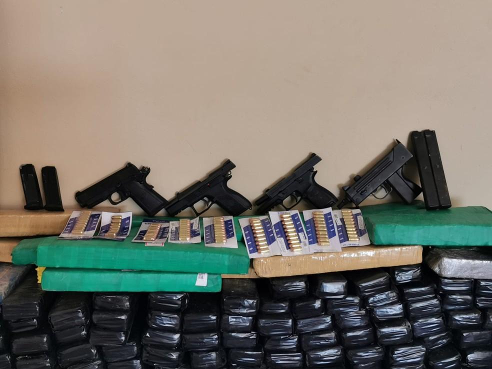 Polícia também apreendeu quatro armas de fogo em Cerquilho — Foto: Polícia Civil/Divulgação