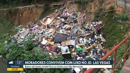 Moradores do Jardim Las Vegas convivem com o lixo