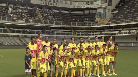 Vila Belmiro recebe jogo beneficente 'Craques contra a pólio'