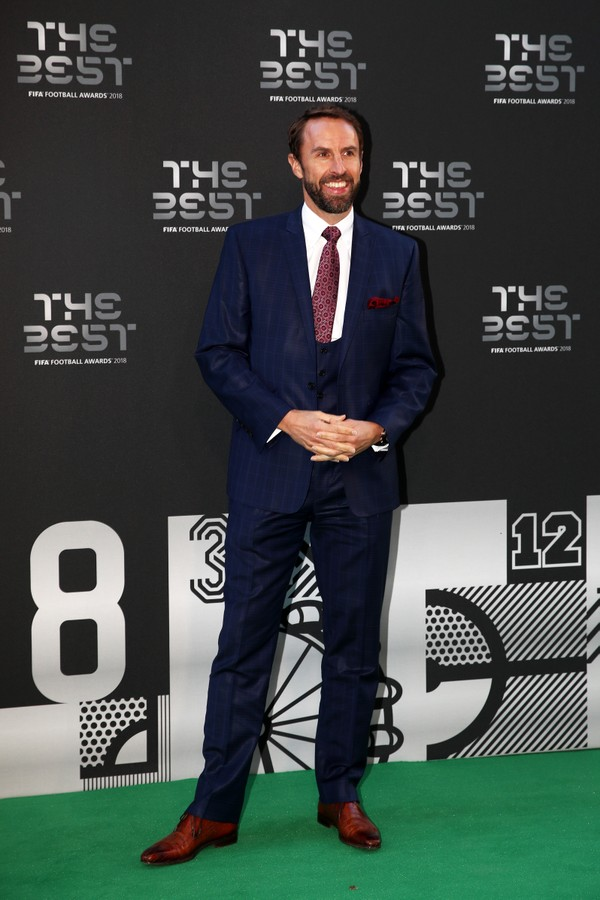 LONDON, ENGLAND - SEPTEMBER 24:  England Manager, Gareth Southgate arrives on the Green Carpet ahead of The Best FIFA Football Awards at Royal Festival Hall on September 24, 2018 in London, England.  (Photo by Julian Finney/Getty Images) (Foto: Getty Images)