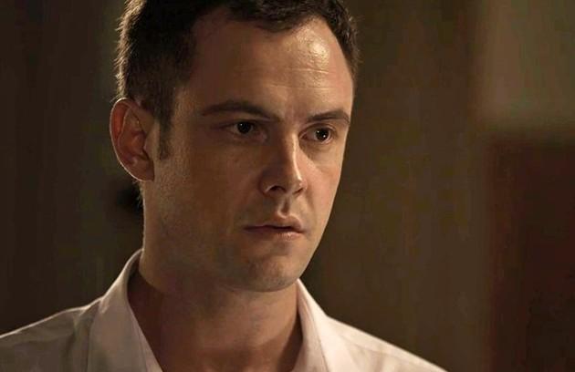 Gael (Sergio Guizé) se mudará para o Rio e terá um novo amor. A personagem será interpretada por Vanessa Giácomo, que fará uma participação especial (Foto: TV Globo)