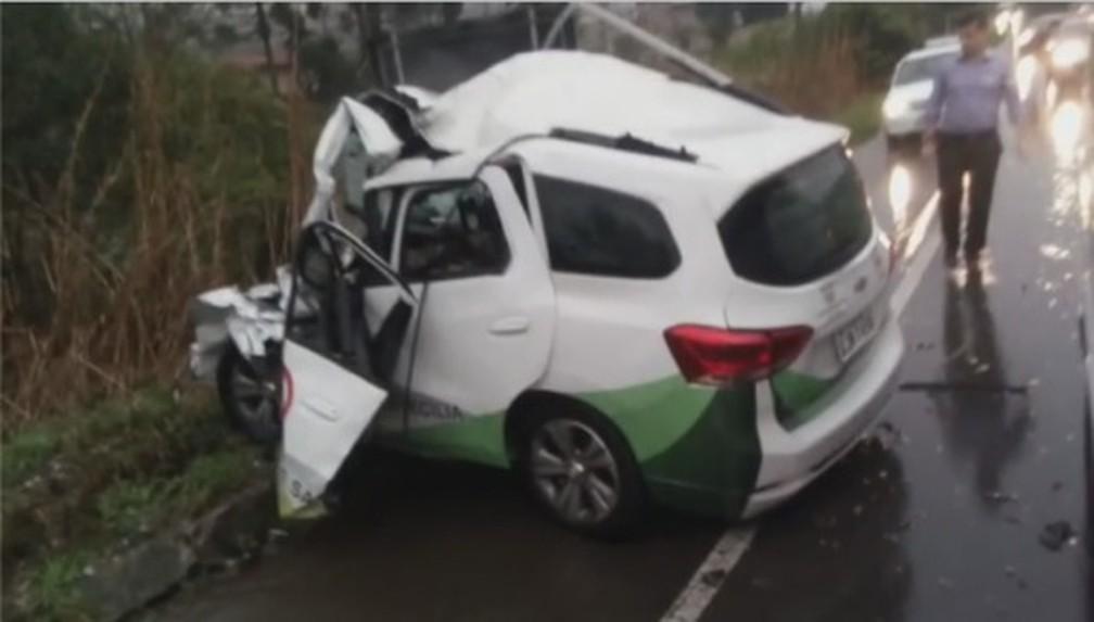 Cinco pessoas morreram em acidente de trânsito na cidade de Campo Alegre, Norte catarinense — Foto: Reprodução/ NSC TV