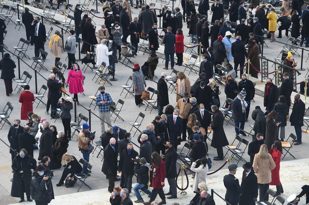 Convidados chegam para a posse de Joe Biden, nesta quarta-feira (20), em Washington — Foto: Olivier Douliery/AFP