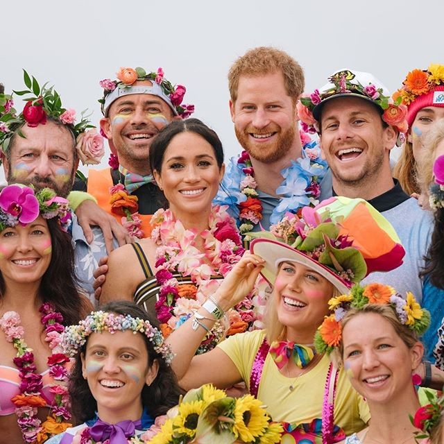 Meghan Markle e o príncipe Harry em Bondi Beach, na Austrália (Foto: Reprodução/Instagram)