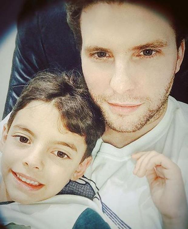 Thiago Fragoso e Benjamin (Foto: Reprodução/Instagram)