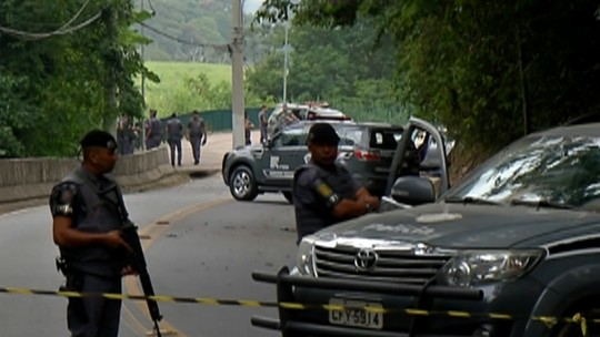 Suspeitos de ataques a bancos foram mortos sem resistência em Guararema e um estava rendido, aponta relatório