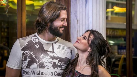 Romance de Armane e Cleo é ameaçado pelo sogrão em 'Tapas'