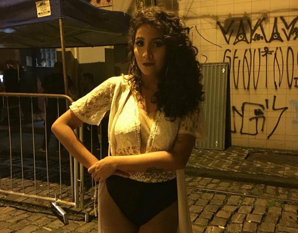 Raphaella Mello trocou as baladas convencionais pelas festas LGBT: 'Aí, o corpo não é um aperitivo' (Foto: Arquivo Pessoal)