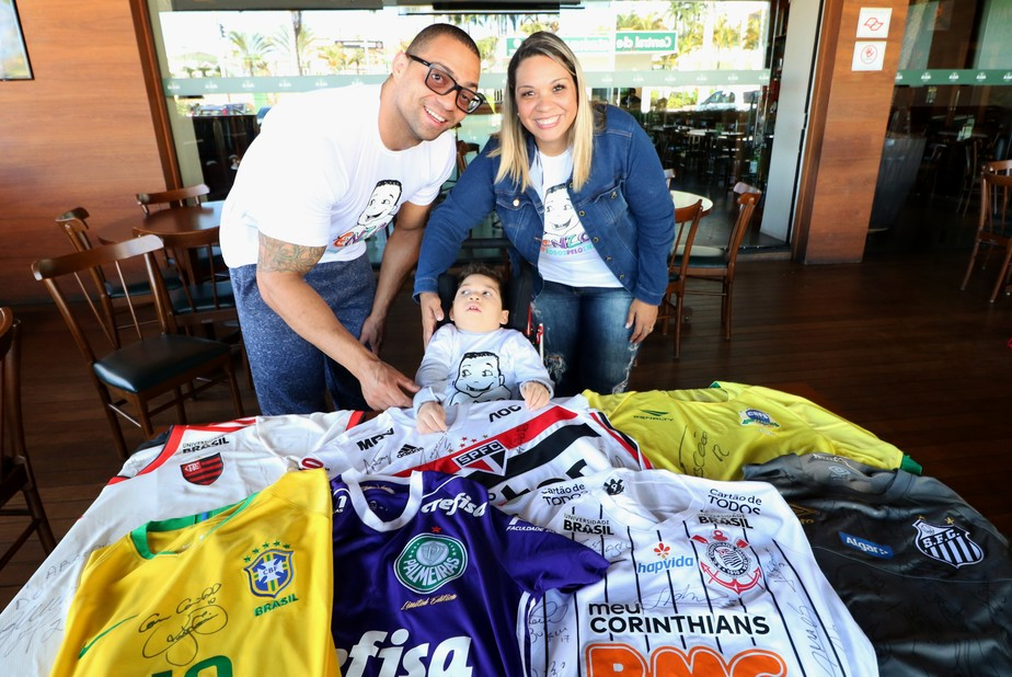 Neymar, Falcão e grandes clubes se unem para ajudar criança com paralisia cerebral no interior de SP