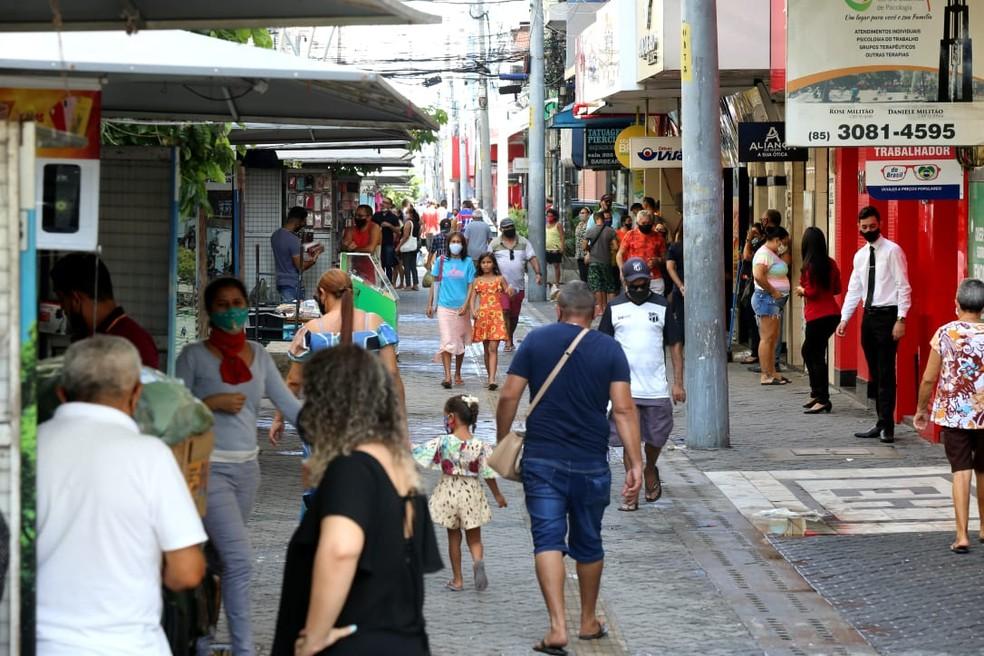 Novo decreto amplia horário de funcionamento de estabelecimentos comerciais na Grande Fortaleza e na região Norte do Ceará.  — Foto: Fabiane de Paula/ SVM