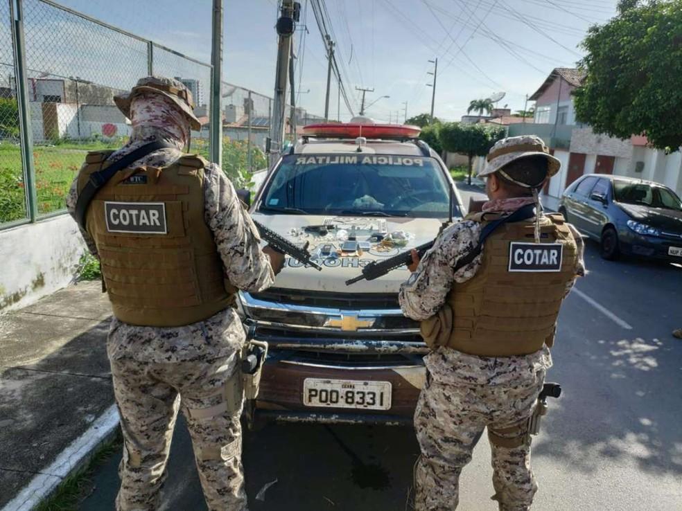 Cerco policial foi realizado por agentes do Comando Tático Rural (Cotar), na cidade de Santana do Acaraú, no Ceará — Foto: SSPDS/Divulgação