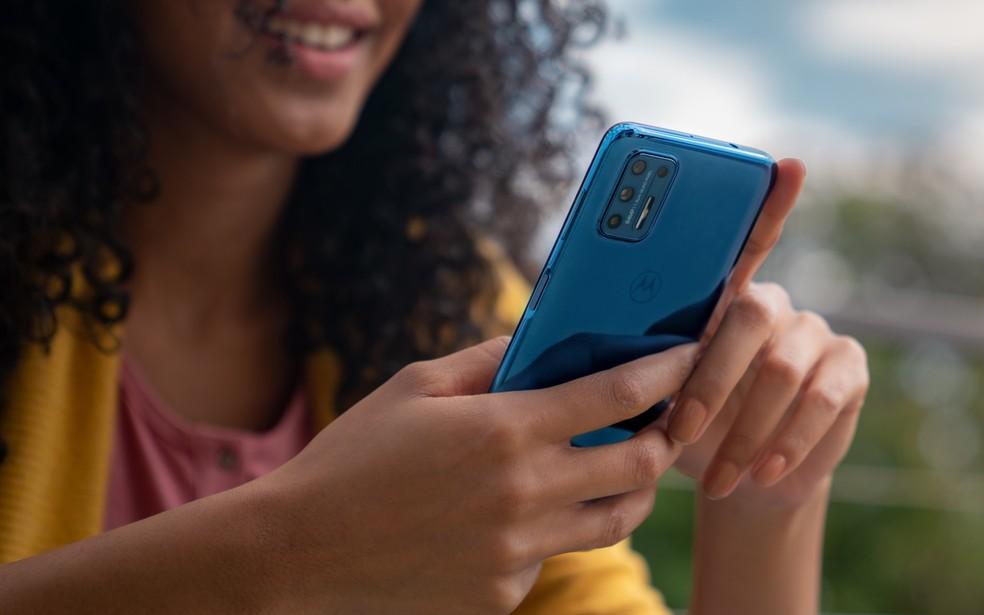 Moto G9 Plus traz câmera quádrupla e bateria de 5.000 mAh — Foto: Divulgação/Motorola