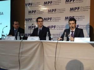 MPF fala sobre a Operação Lava Jato, em Curitiba (Foto: Fernando Castro/G1)