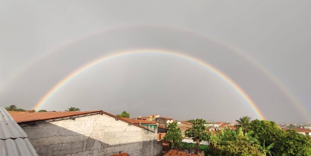 Fortalezenses fotografam arco-íris duplo após noite de chuva