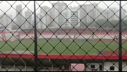 Por campo alagado, CBF adia Náutico x Botafogo-PB para esta segunda-feira