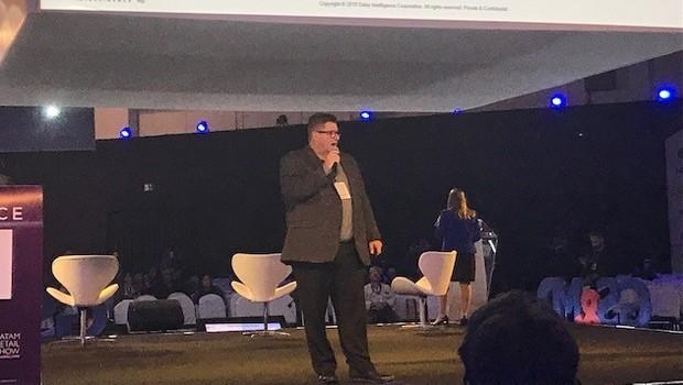 Gary Saarenvirta, CEO da Daisy Intelligence durante o LATAM Retail Show (Foto: Divulgação)