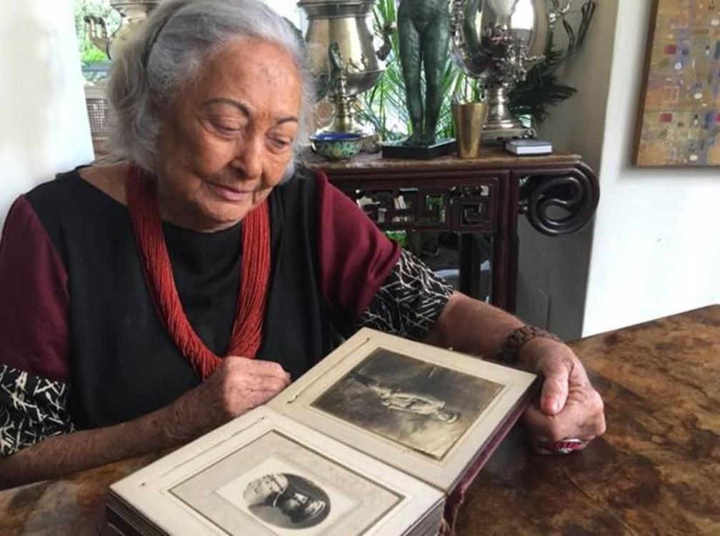 'O que eu mais quero, todo o meu empenho, é tirar essa palavra (assassino) de sua biografia, que é tão pesada, tão feia', diz Dirce — Foto: Ana Terra/BBC News Brasil