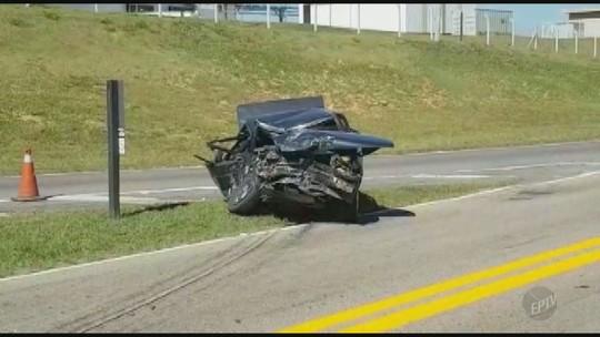 Motorista morre em acidente entre três veículos próximo ao trevo de Elias Fausto, SP