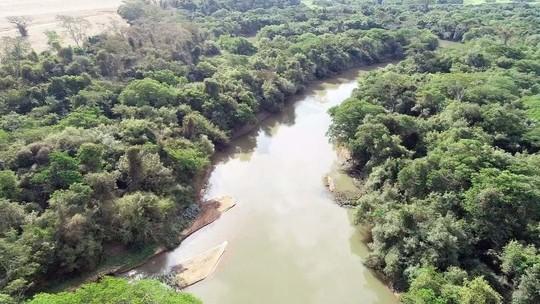 Rio Turvo é cheio de curvas e de muitas belezas