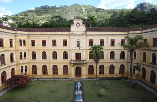 O Colégio Anchieta, em Nova Friburgo, fundado por Jesuítas em 1886, serviu como cenário do palácio do governo na trama (Foto: Divulgação)