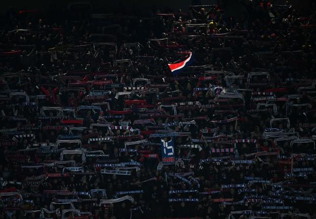 Torcedores do Paris Saint-Germain (PSG) (Foto: Matthias Hangst/Getty Images)