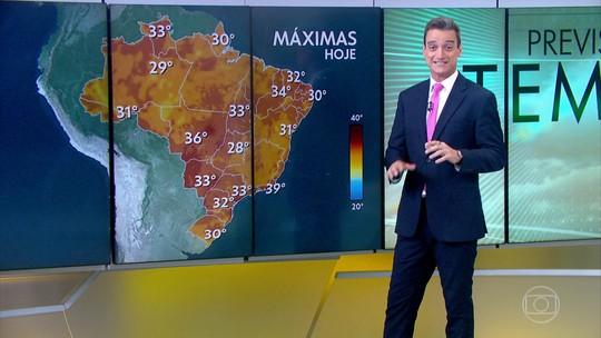 Temperaturas passam dos 30° na maior parte do país