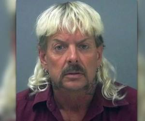 Astro de 'Tiger King' é forçado a usar a mesma roupa na prisão por sete meses, diz jornal