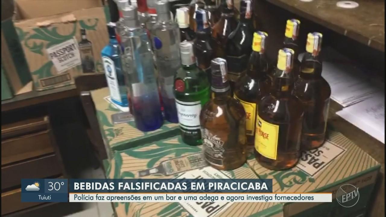 Polícia apreende 200 garrafas de bebidas falsificadas em bar e adega de Piracicaba