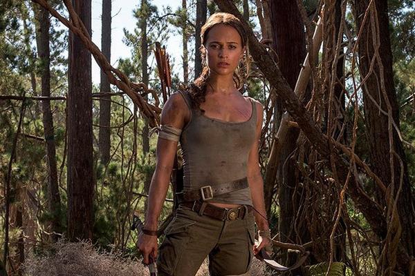 A atriz Alicia Vikander no papel da heroína Lara Croft em cena de Tom Rider: A Origem (Foto: Reprodução)