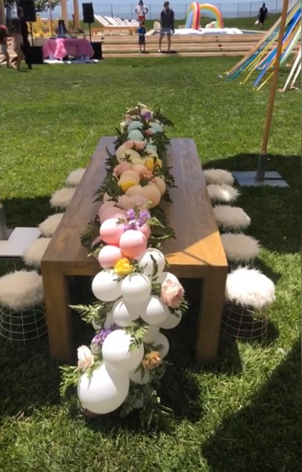 Detalhe da decoração no jardim  (Foto: Reprodução / Instagram)