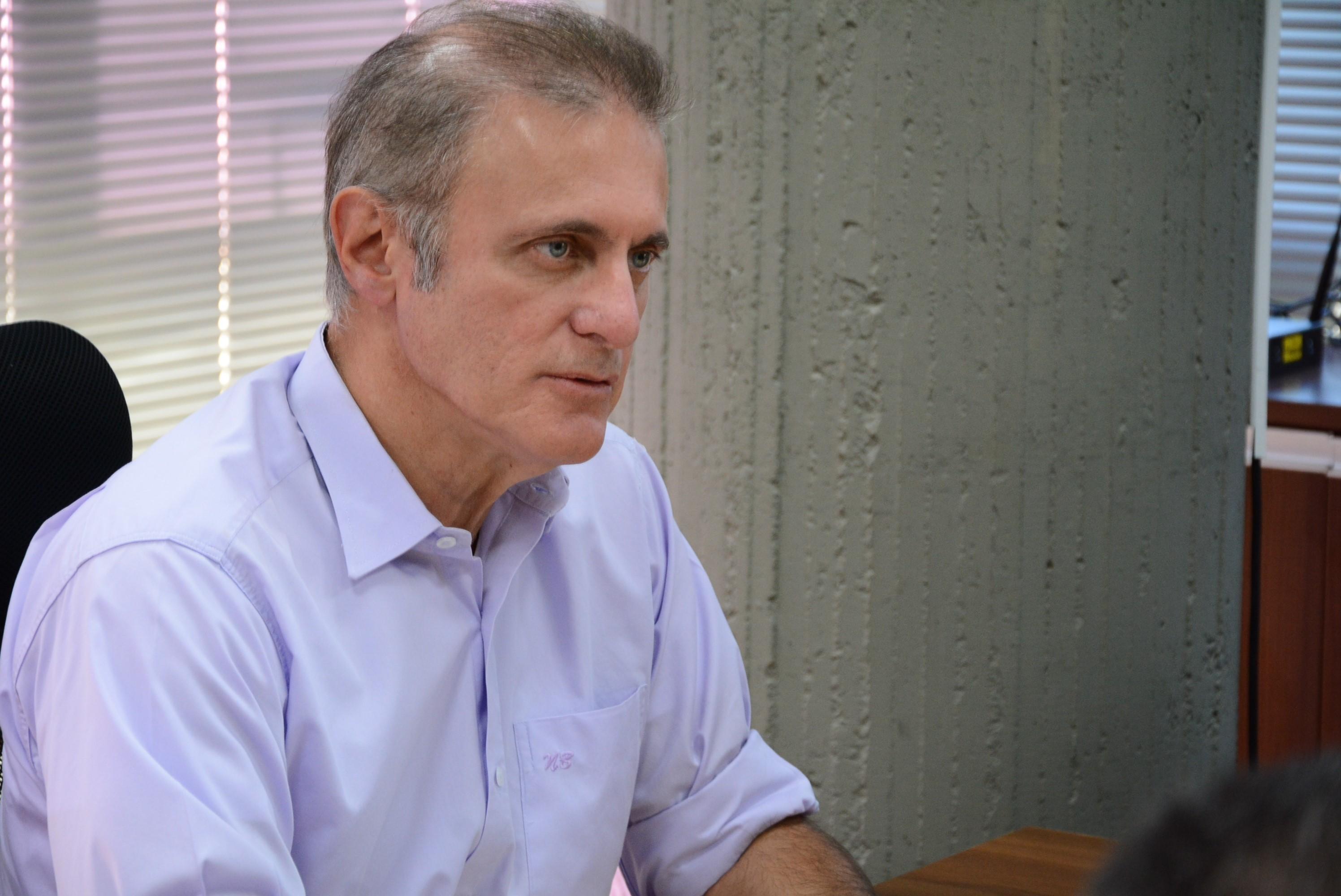 'Há suspeitas de várias pessoas que estão ali de forma irregular', diz prefeito sobre Camelódromo - Notícias - Plantão Diário