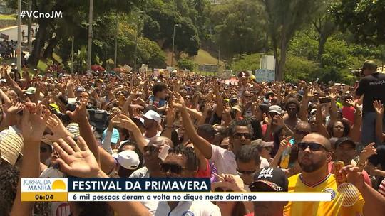 Grupo Mudei de Nome abre o Festival da Primavera em Salvador, e leva multidão ao Dique do Tororó