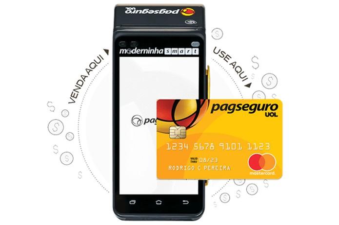 Moderninha Smart permite receber o dinheiro das vendas no cartão pré-pago do PagSguro — Foto: Divulgação/PagSeguro