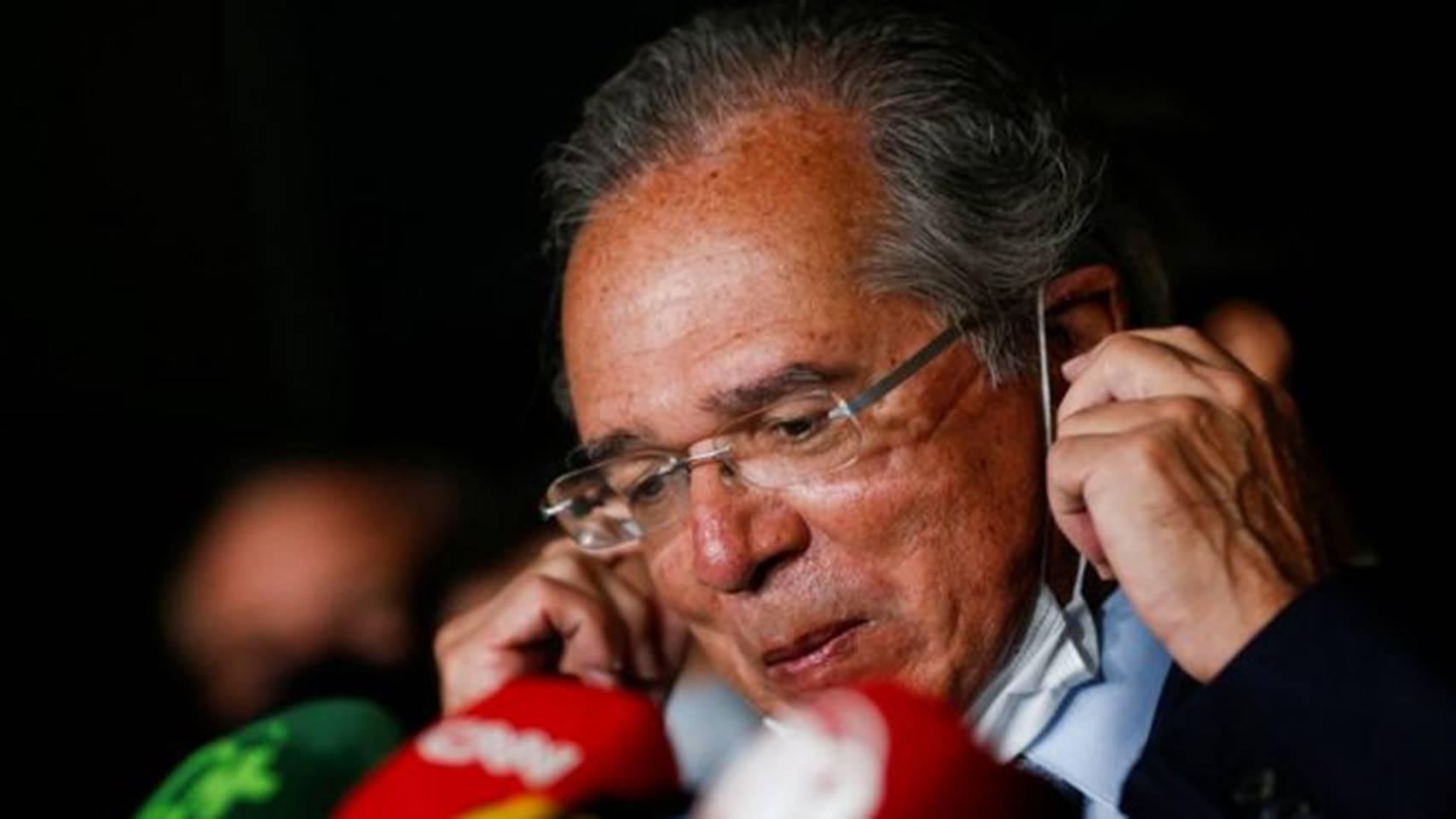 Para assessores de Bolsonaro, Guedes pode sair se governo optar por furar teto de gastos