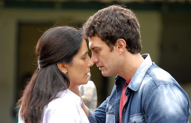 Em 'Insensato coração', a atriz interpretou Norma, presa injustamente por causa de uma armaçãod de Léo (Gabriel Braga Nunes) (Foto: Alex Carvalho/TV Globo)